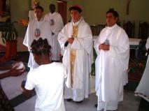 Recibiendo las ofertas (Foto: Lar São Jerónimo)